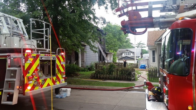 Firefighter injured in Rock Island house fire