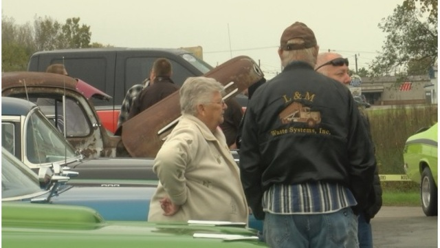 Annual fall car show benefits person affected by cancer