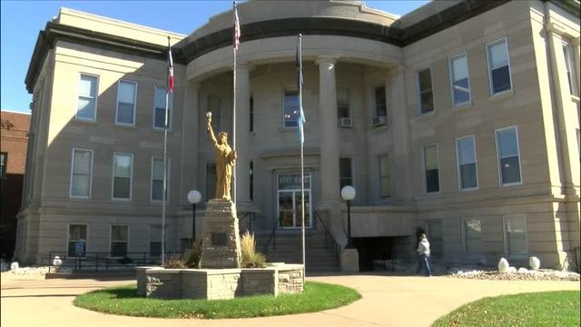 Mandsager granted raise by Muscatine City Council