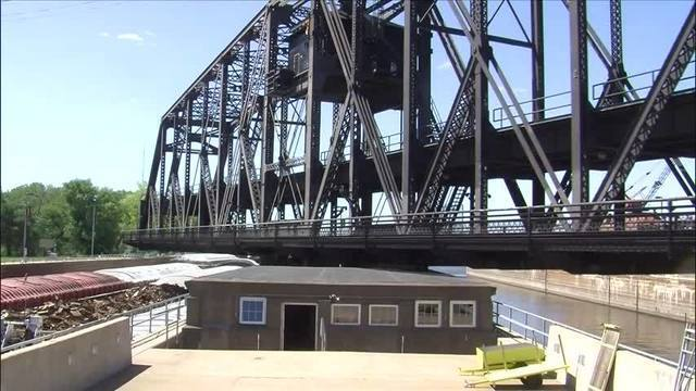 Government Bridge reopens early after repairs