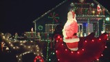Catch best of holiday lights on tour of Quad Cities